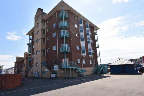 2 bedroom flat to rent - 15 Pockets WharfThe MarinaSwanseaWest Glam