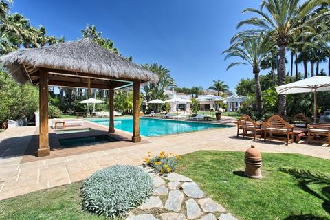10 bedroom detached house  - Guadalmina Baja, Andalucia, Spain