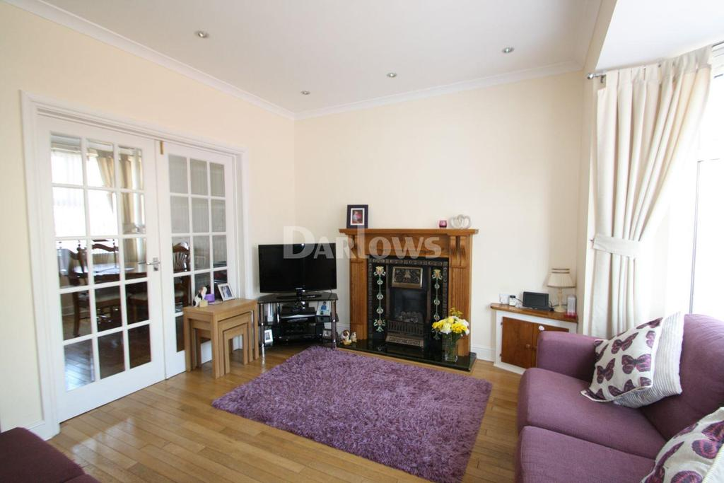 3 Bedrooms Semi Detached House for sale in Church Street, Rhymney.