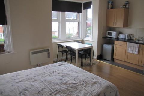 Studio to rent - Suffolk Avenue, Southampton