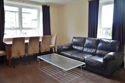 3 bedroom flat to rent - Bedford Avenue, Old Aberdeen, Aberdeen, AB24 3YQ
