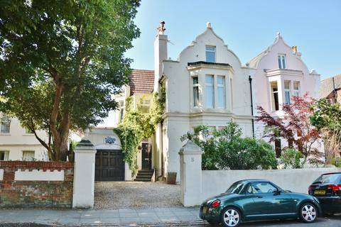6 bedroom semi-detached house for sale - Merton Road, Southsea