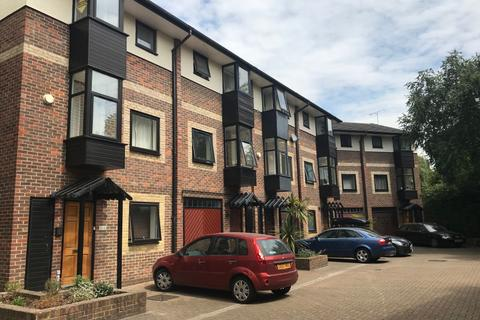 4 bedroom townhouse to rent - Barnfield Place, London, E14