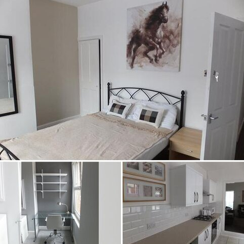 1 bedroom in a house share to rent - Room 1, Bolingbroke Road