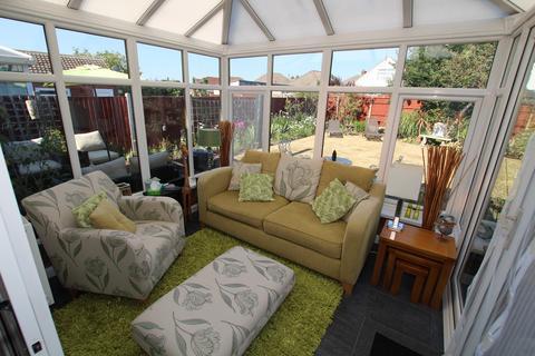 3 bedroom detached bungalow for sale - Derwent Drive, Litherland, Liverpool, L21