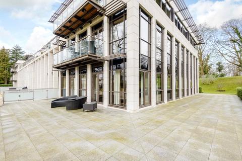 3 bedroom flat to rent - Charters Garden House, Charters Road, Ascot, Berkshire