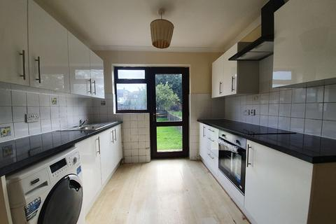 3 bedroom semi-detached house to rent - Blithdale Road, Abbey Wood