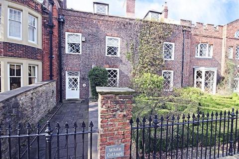5 bedroom terraced house for sale - Westoe Village, South Shields, Tyne And Wear