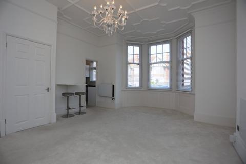 Studio to rent - Aymer Road, Hove