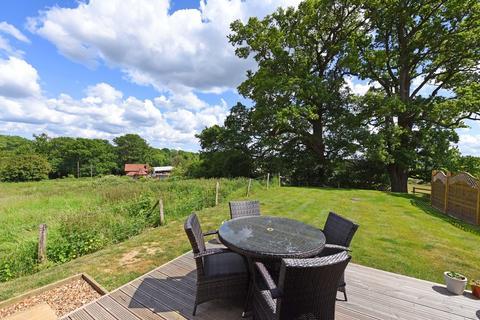 2 bedroom detached bungalow to rent - Coppid Hill Barn, Wokingham