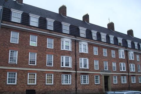 3 bedroom flat to rent - 49 Abbeygate
