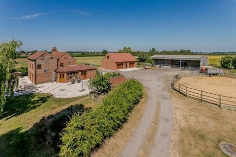 4 bedroom equestrian facility for sale - Moor Farm, Tillbridge Lane, Sturton By Stow, Lincoln, LN1