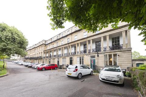 3 bedroom flat to rent - Buckingham Place, Clifton