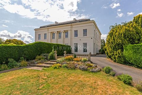5 bedroom country house for sale - Whaddon