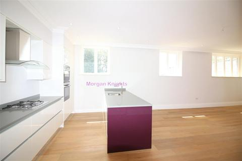 3 bedroom apartment for sale - The Ridgeway, London NW7