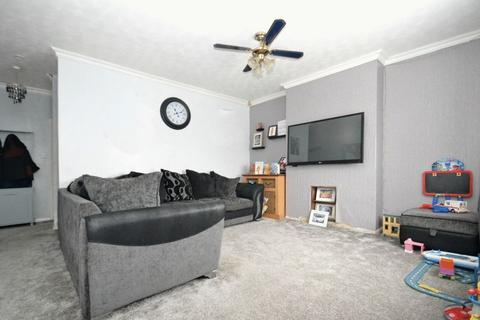 3 bedroom terraced house for sale - First Avenue, Queenborough