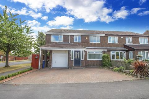 4 bedroom semi-detached house for sale - Dymock Court, Kingston Park, Newcastle upon Tyne