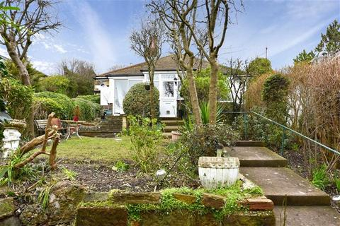 2 bedroom detached bungalow to rent - Longhill Road, Brighton