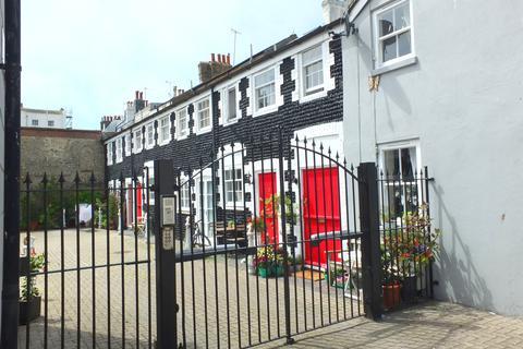 2 bedroom mews to rent - Bristol Road, Brighton, BN2 1BD
