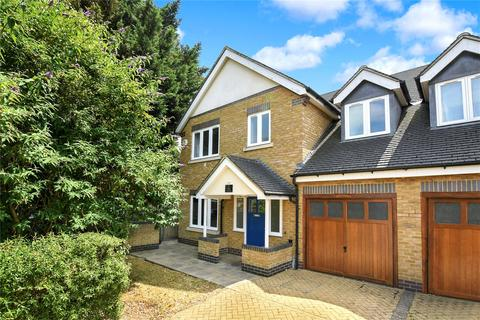4 bedroom semi-detached house for sale - Robinsons Close, Ealing, W13