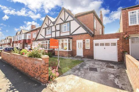 3 bedroom semi-detached house for sale - Polwarth Road, Brunton Park, Gosforth