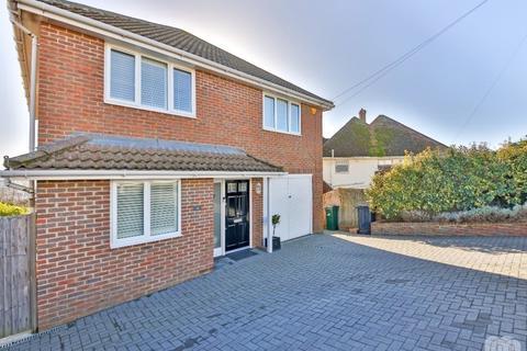 4 bedroom detached house to rent - Ashdown Avenue Saltdean East Sussex BN2