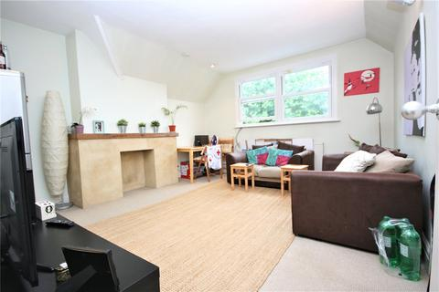 2 bedroom apartment to rent - Blenheim Gardens, London, NW2