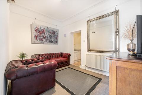 3 bedroom flat to rent - VAUXHALL WALK, SE11
