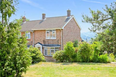 2 bedroom end of terrace house for sale - Tower Ride, Uckfield, East Sussex