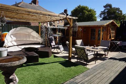 3 bedroom semi-detached house for sale - Briarwood Crescent, Walkerville, Newcastle Upon Tyne, NE6