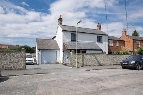 10 bedroom property with land for sale - New Road, Woodstock