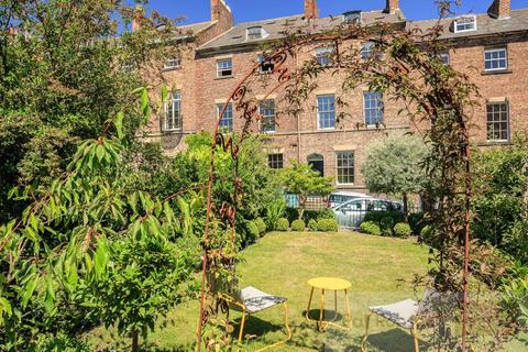 5 bedroom house for sale - Swinburne Place, Summerhill Square
