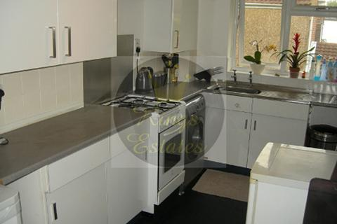 2 bedroom apartment to rent - Adelaide Road