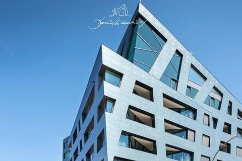 3 bedroom penthouse  - Sapphire Penthouse, SchwartzkopffStraße 1, Mitte, Berlin