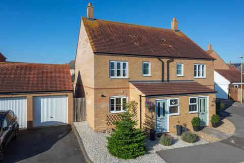 3 bedroom semi-detached house for sale - Southdown Close, Bridgefield, Ashford, TN25