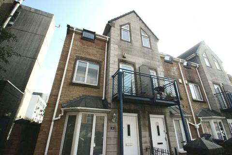 4 bedroom semi-detached house to rent - Ellis Street, Manchester