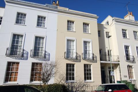 2 bedroom flat to rent - Montpellier Villas, Cheltenham
