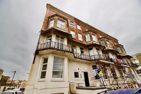 2 bedroom flat for sale - Julian Court, Edgar Road, Cliftonville
