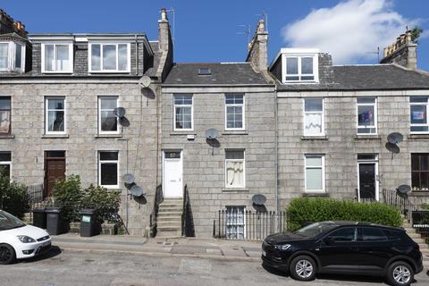 3 bedroom flat to rent - 57 Erskine Street