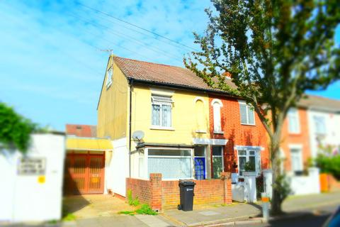 5 bedroom end of terrace house to rent - Goodwood Road, Southsea