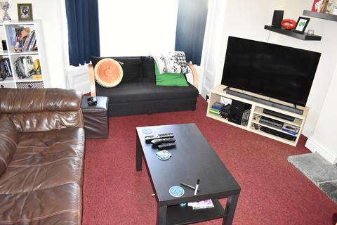 2 bedroom ground floor flat to rent - Victoria Road South, Southsea