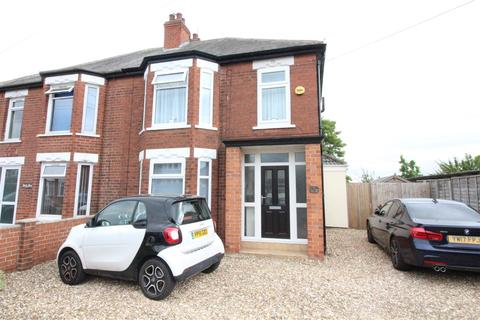 3 bedroom semi-detached house for sale - Riversdale Road, Hull