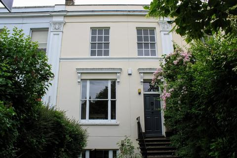 4 bedroom terraced house to rent - Prestbury Road, Pittville, Cheltenham