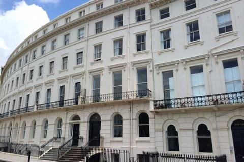 2 bedroom flat to rent - Adelaide Crescent , Hove BN3