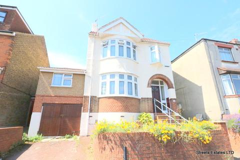 4 bedroom detached house to rent - Clarence Road, Chatham ME4