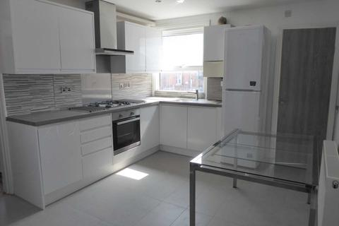 3 bedroom flat to rent - Ross Road, Caversham