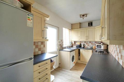 3 bedroom semi-detached house for sale - Edgehill Road, Leicester, LE4
