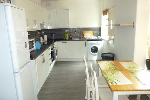 3 bedroom terraced house to rent - Third Avenue, Birmingham, B29