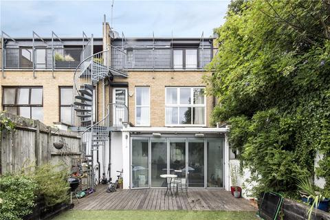 5 bedroom semi-detached house to rent - Chatham Road, London, SW11