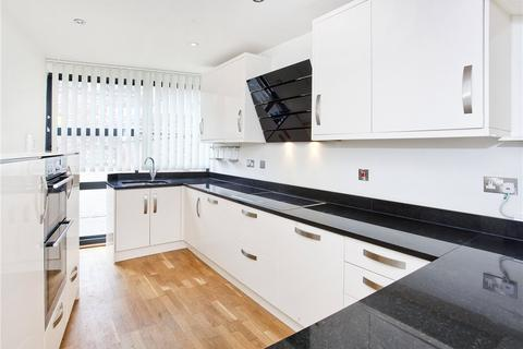 4 bedroom end of terrace house to rent - Peasholme Court, The Stonebow, York, YO1